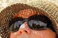 Солнцезащитными кремами лучше не злоупотреблять!