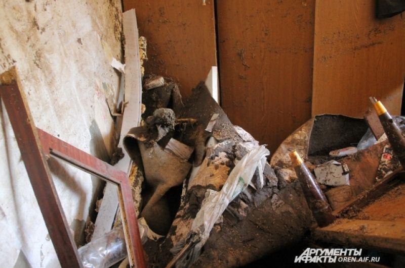 18 июля в селе Зеркло подтопило пять домов, четыре из которых - жилые, сообщило региональное МЧС.