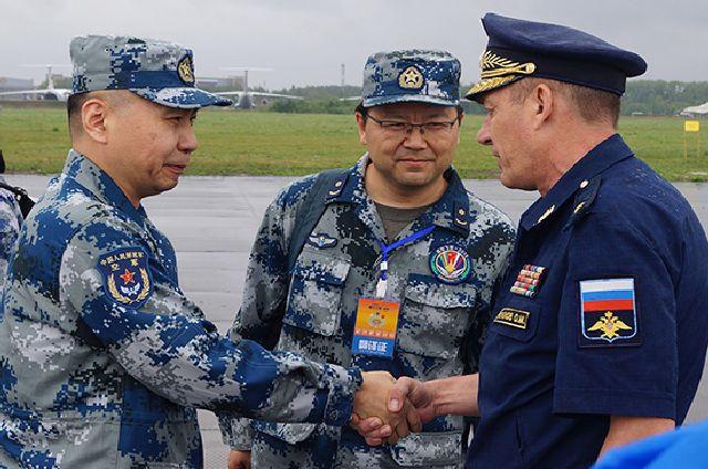 Военных летчиков из КНР в Рязани встречали с хлебом и солью