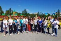 Надымчане выбирают жизнь и скандинавскую ходьбу