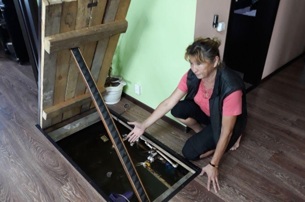 Глубина подполья в доме почти 2 метра. На такой уровень поднялась вода.