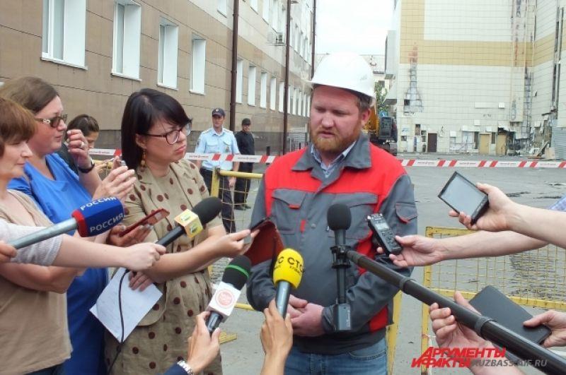 Начальник участка ремонтной компании Юрий Нургалиев рассказал, что на разбор конструкций, находящихся над землёй, уйдёт 35 дней. Ещё 25 потребуется на подземный демонтаж.