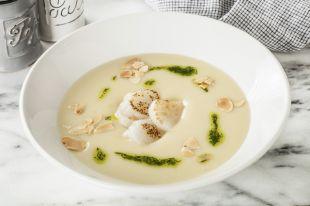 Холодный крем-суп из цветной капусты с гребешками