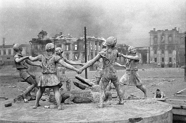 Фонтан «Бармалей», 23 августа 1942 года, Сталинград.