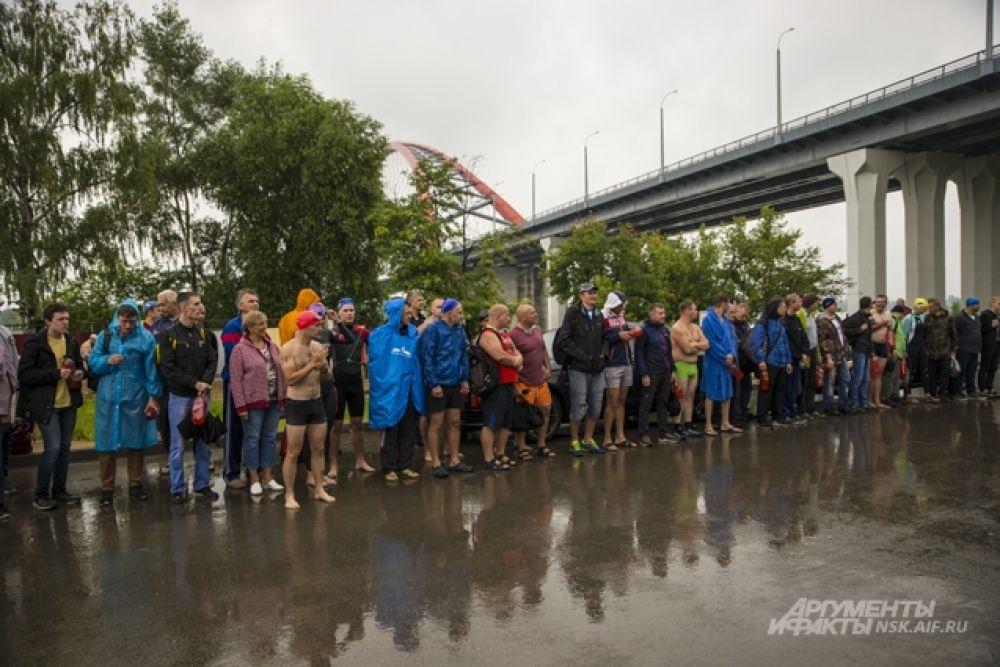 Среди тех, кто приехал на пляж Бугринской рощи были не только новосибирцы, но и спортсмены из Томска, Кемерова, с Алтая.