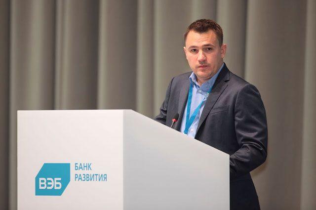 Заместитель председателя — член Правления Внешэкономбанка Алексей Иванченко.