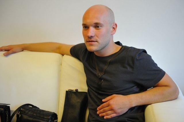 Владимиру исполнилось 33 года.