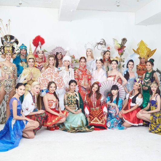 Всего в конкурсе приняли участие 24 красавицы со всего мира.