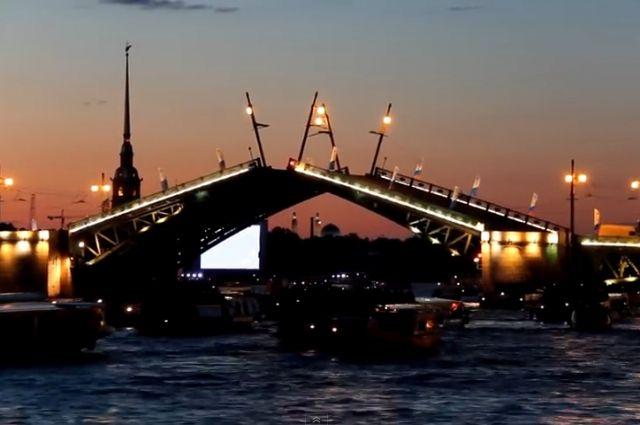 Из-за репетиции парада кодню ВМФ мосты вПетербурге разведут днем