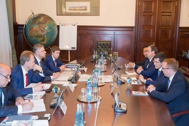 Дмитрий Артюхов обсудил строительство Северного широтного хода с ОАО «РЖД»