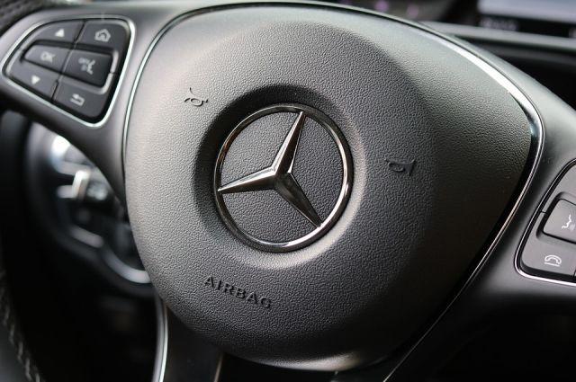 Тюменец на Mercedes накопил более сотни штрафов за нарушения ПДД
