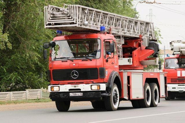 Пожарные потушили возгорание за 40 минут, но отстоять дом им не удалось.