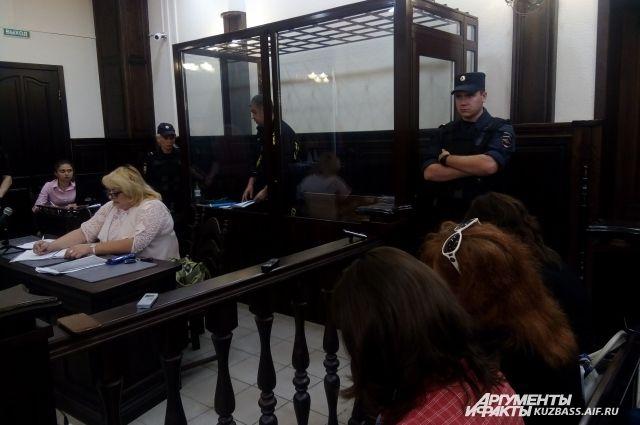 Александр Мамонтов себя виновным не считает.