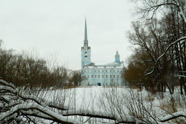 От прекрасного в прошлом Петропавловского парка сегодня сохранилась лишь его структура.