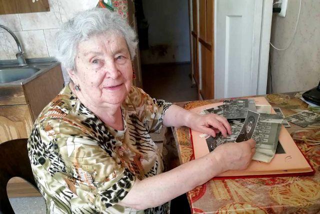 Маргарите Михайловне помогают не забыть старый Воронеж чудом уцелевшие фотографии.