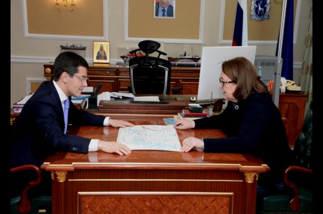Дмитрий Артюхов встретился с руководителем службы по делам архивов ЯНАО