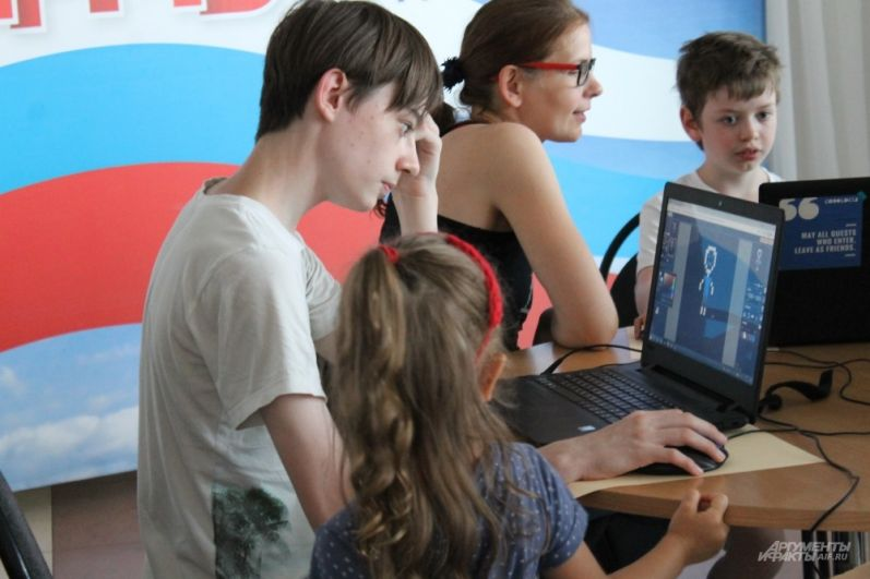 Для детей прошло несколько мастер-классов по работе в специальных программах на компьютере