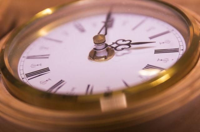 Тюменский вокзал переводит часы на местное время