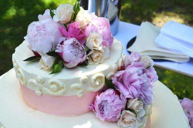 2 тыс. руб - средняя цена торта
