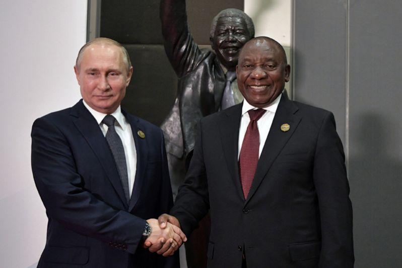 Президент РФ Владимир Путин и президент Южно-Африканской Республики Сирил Рамафоза.