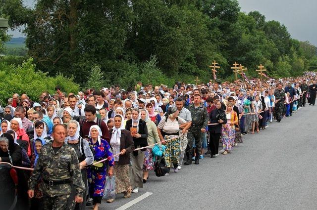 Прихожане из разных регионов Украины уведомляют о проблемах с билетами на Киев