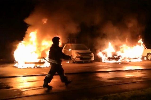 К тушению пожара привлекались 7 человек и 2 единицы спецтехники.