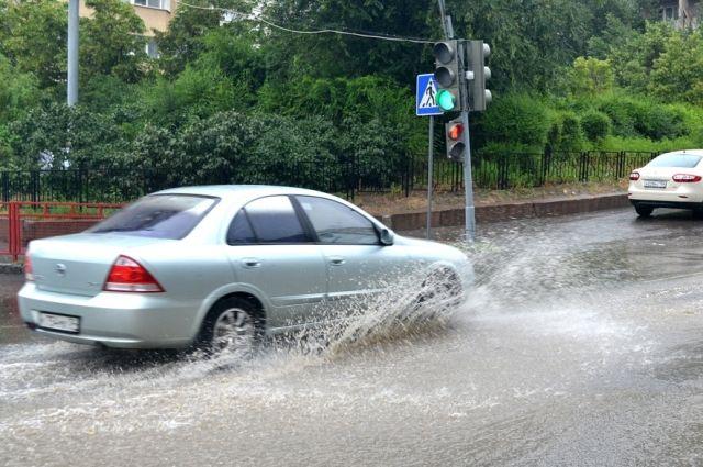 На севере края возможны кратковременный дождь и гроза (в большинстве районов края они пройдут в дневное время).