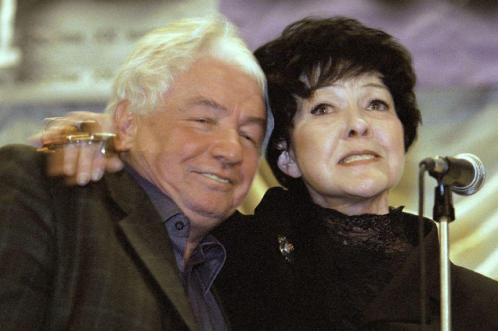 Владимир Войнович и поэтесса Белла Ахмадулина. 2000 год.