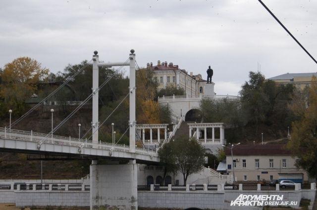 ПРогулки по Набережной и Советской помогут лучше узнать историю Оренбурга.