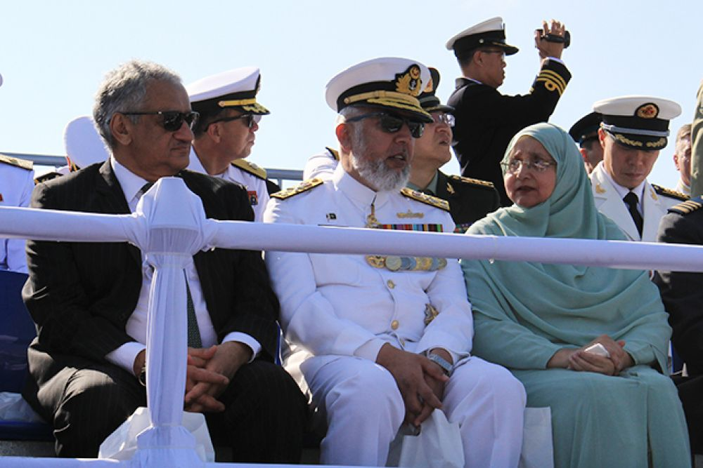 Главный военно-морской парад собрал огромное количество зрителей из разных стран.