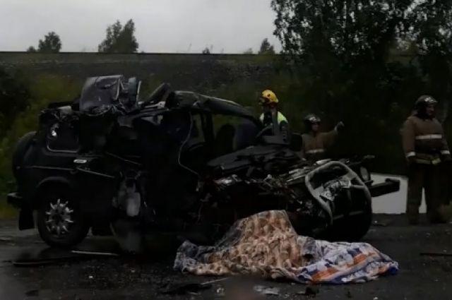 По словам очевидцев, в аварии погиб один человек.