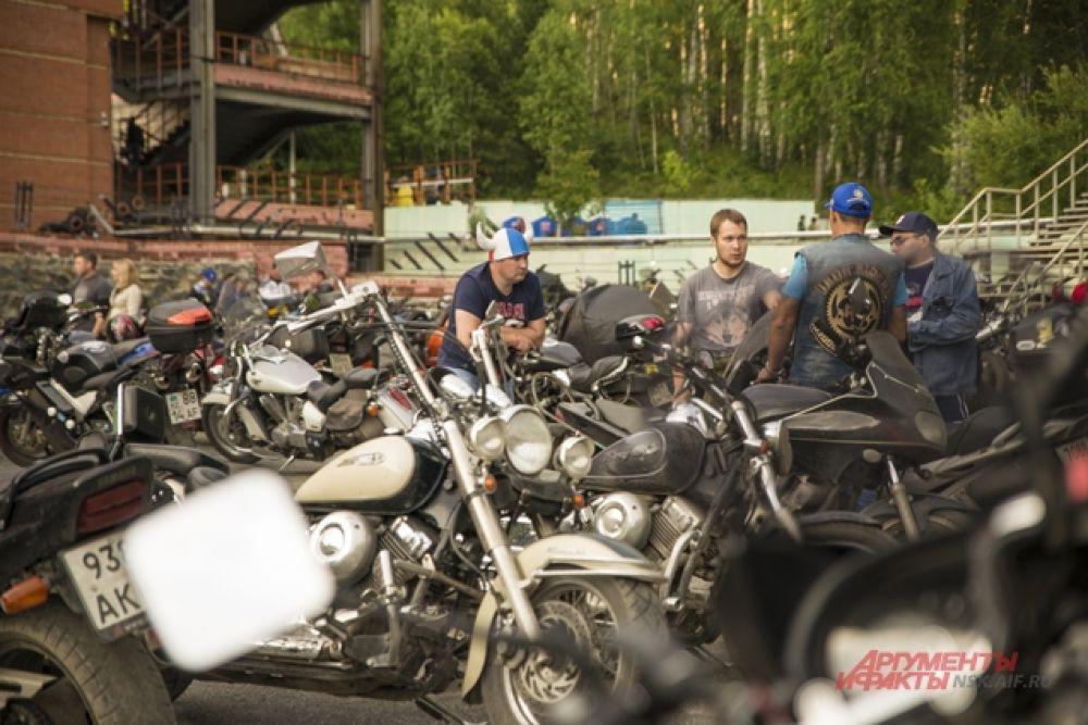 На три дня  в Новосибирске собрались гости из множества  городов и стран мира:  организаторы ждали более 7000 человек.