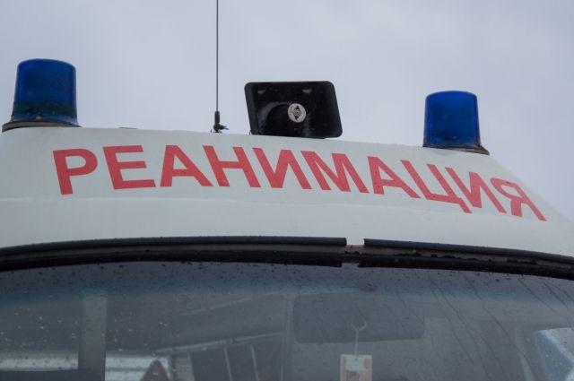Специализированным транспортом в сопровождении бригады медиков он был доставлен в Хабаровск.