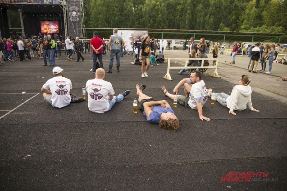 Для гостей и участников фестиваля организаторы мероприятия приготовили множество развлекательных и технических конкурсов.