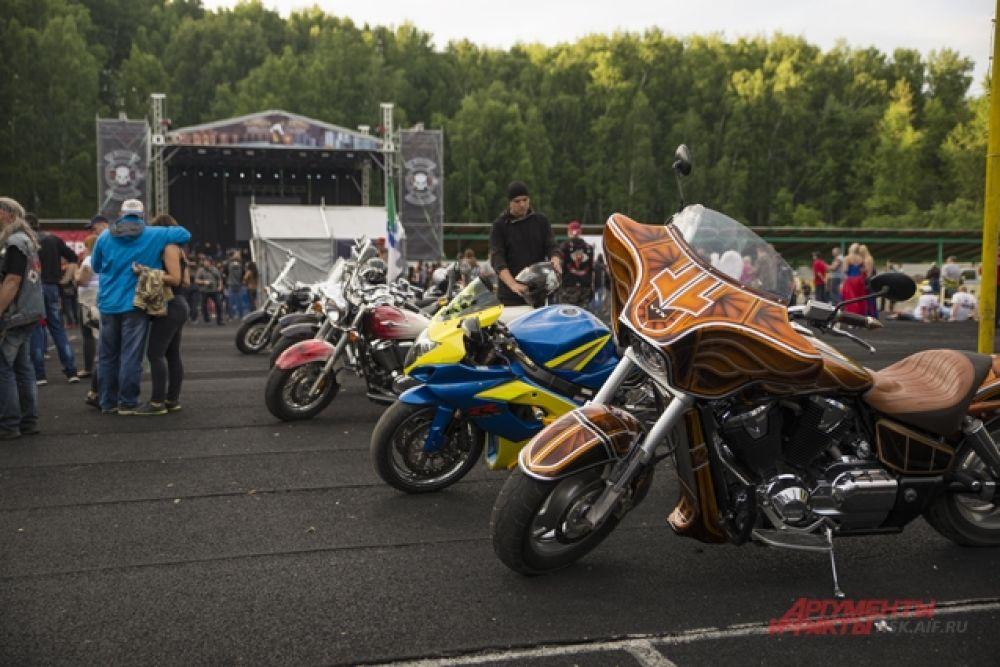 Мотоцикл – вообще-то, дорогое удовольствие. А байкеры – в основном, состоятельные люди.