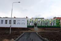 Во время недавнего визита в Магнитогорск Борис Дубровский проверил, как идёт строительство новой школы в 144-м микрорайоне.