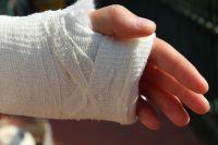 Беспечность родителей может привести к травмированию ребёнка.