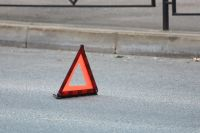 В Тюмени на улице Харьковской перевернулась карета скорой помощи