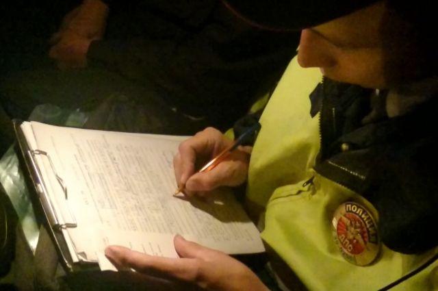 В Муроме нетрезвый водитель попытался откупиться от полицейского телефоном.