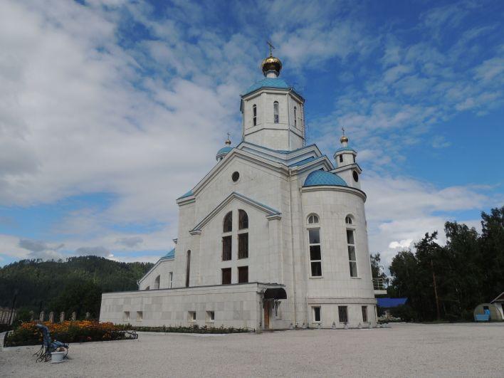 Храм святой великомученицы Евдакии построил Иван Ярыгин в память о своей матери Евдокии.