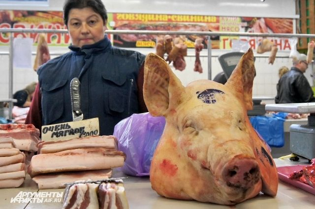 Свинины стало меньше, и она подорожала на 36 рублей за кило.