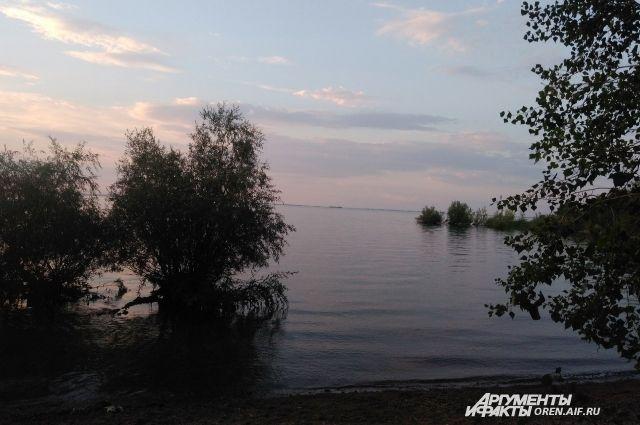В Орске в озере Песчаное утонул мужчина.