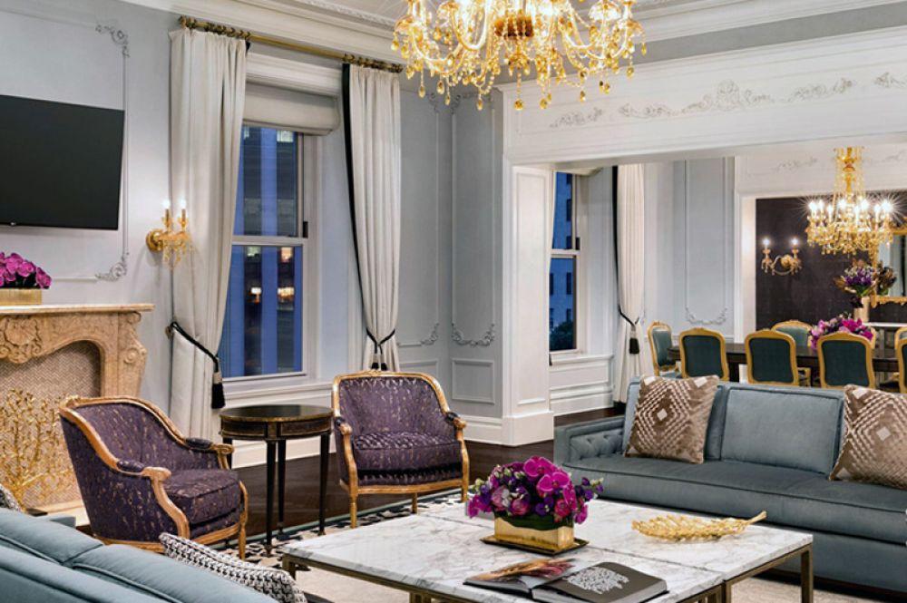 Royal Suite, The Plaza, Нью-Йорк — 40 000 долларов за ночь. Королевский люкс в одном из старейших отелей Нью-Йорка декорирован в стиле Людовика XV: бархатные диваны, массивные люстры и роскошный текстиль. В распоряжении гостей полностью оборудованная кухня, столовая на 12 человек и библиотека.