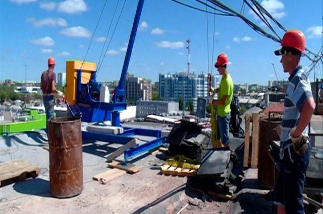В Оренбурге проверили ход ремонта многоквартирных домов.