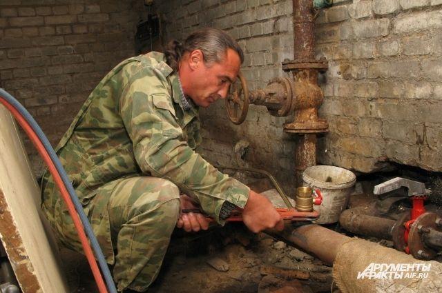 В Костроме на ремонт теплосетей направили дополнительные бригады.