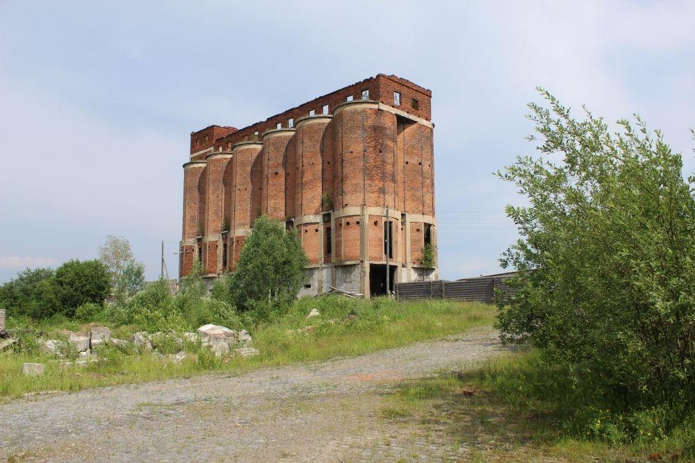Ещё одно здание фабрики.