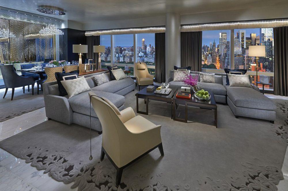 Suite 5000, Mandarin Oriental New York, Нью-Йорк — 36 000 долларов за ночь. Номер на 50-м этаже отеля Mandarin состоит из трех спален, гостиной и столовой на 10 персон, стену которой украшает инсталляция из кристаллов Swarovski. Помимо прочего, гости получают доступ к огромной библиотеке фильмов и музыки.