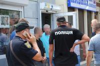 В Одессе автомобилист открыл огонь по продавцам арбузов