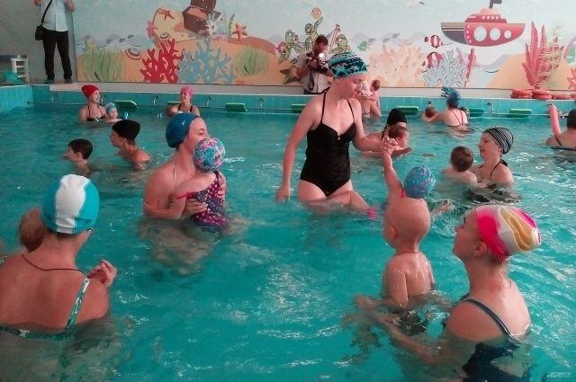 Лучше всего дети адаптируются к воде в два месяца.