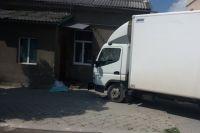 В Тернопольской области грузовик сбил мать с ребенком: девочка погибла